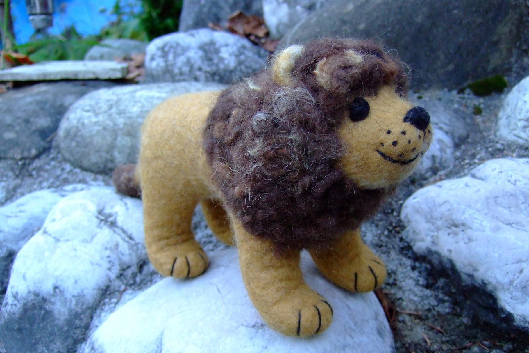 Löwe aus Filz