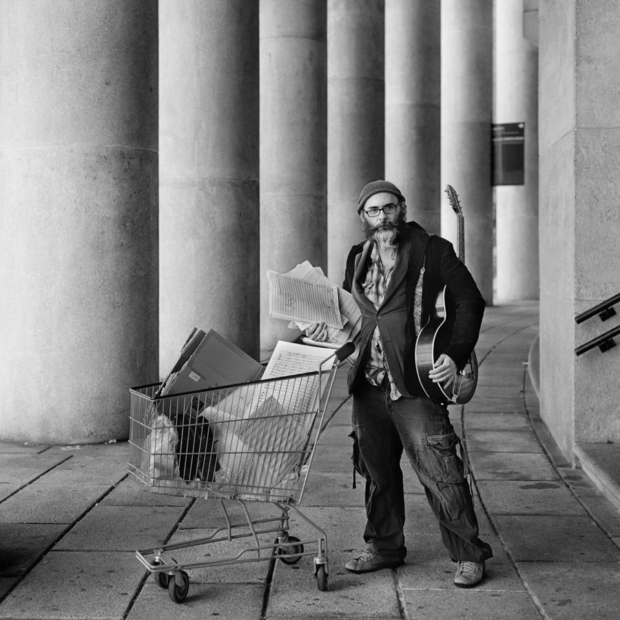 """Portada del disco """"Broken Artist"""" del músico Marcos Pin. Seleccionada entre las 30 mejores fotos de 2016 en el certamen Jazz World Photo https://www.jazzworldphoto.com/gallery-2017/"""