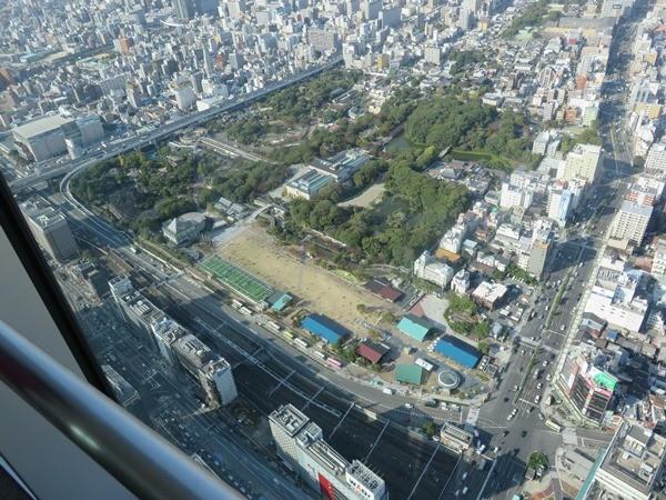 ハルカスの展望台からの眺めです。天王寺動物園が見えてます