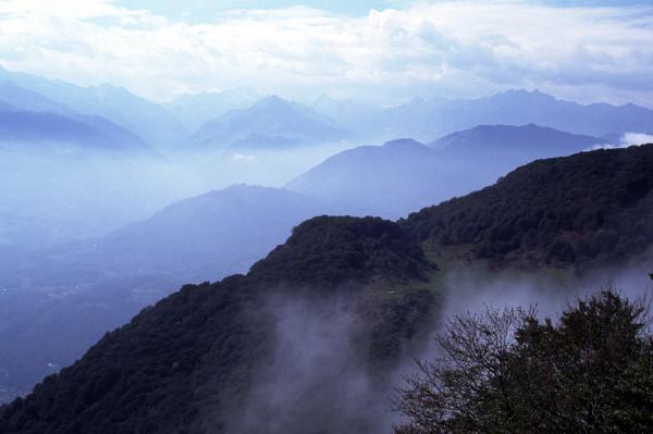 Brumes sur les sommets des Pyrénées