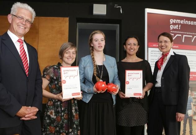 Foto der Preisträger der Ausschreibung Gemeinsam Gut der Sparkasse