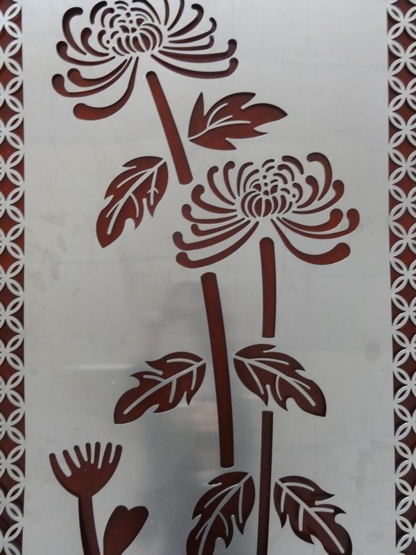 Laser cutting art work of chrysanthemum