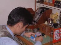 時計技能士が ロレックス・オメガ・カルティエ・ホイヤー・ブルガリなどどんな時計も修理 オーバーホール できます。