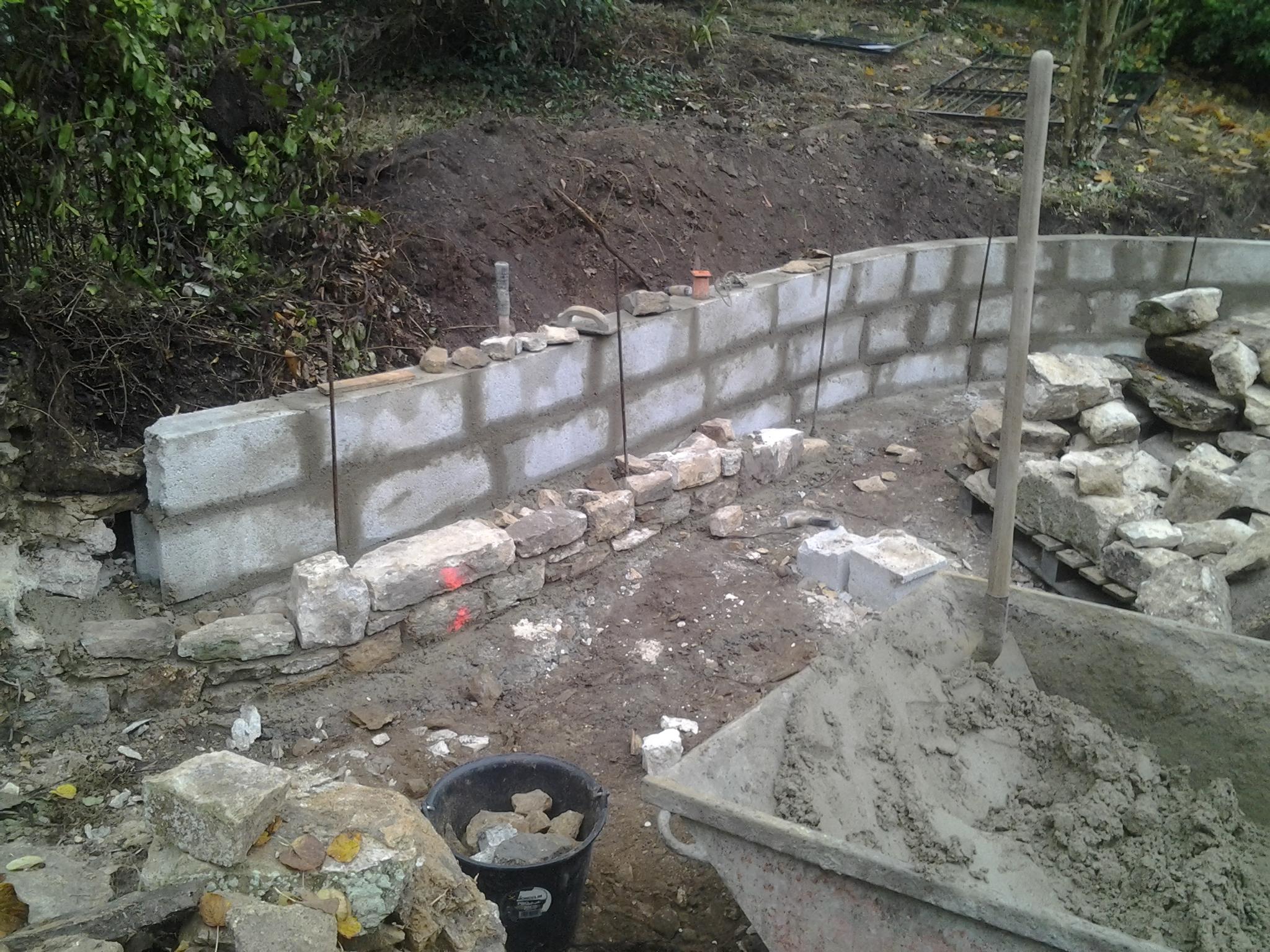 Préparations muret doublé en pierres