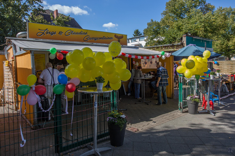 Jörg´s Curry - Container in Marienfelde. Ausschmückung des Currywurst- Standes zum 50-jährigen Jubiläum.