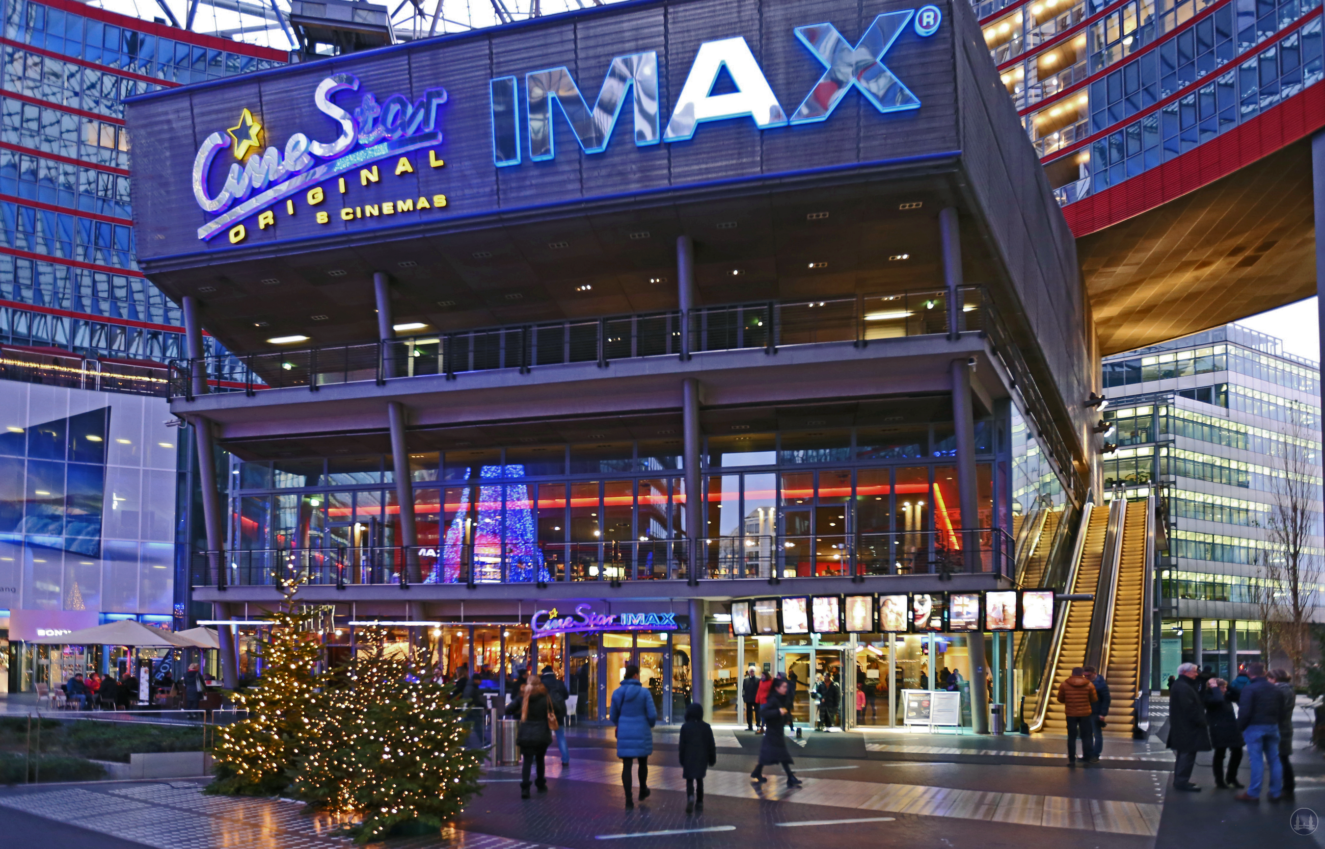 CineStar Kino im Sony Center Berlin. Der sog. Entertainment - Komplex.