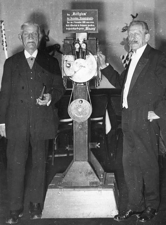 Die Brüder Max (rechts) und Eugen Skladanowsky.