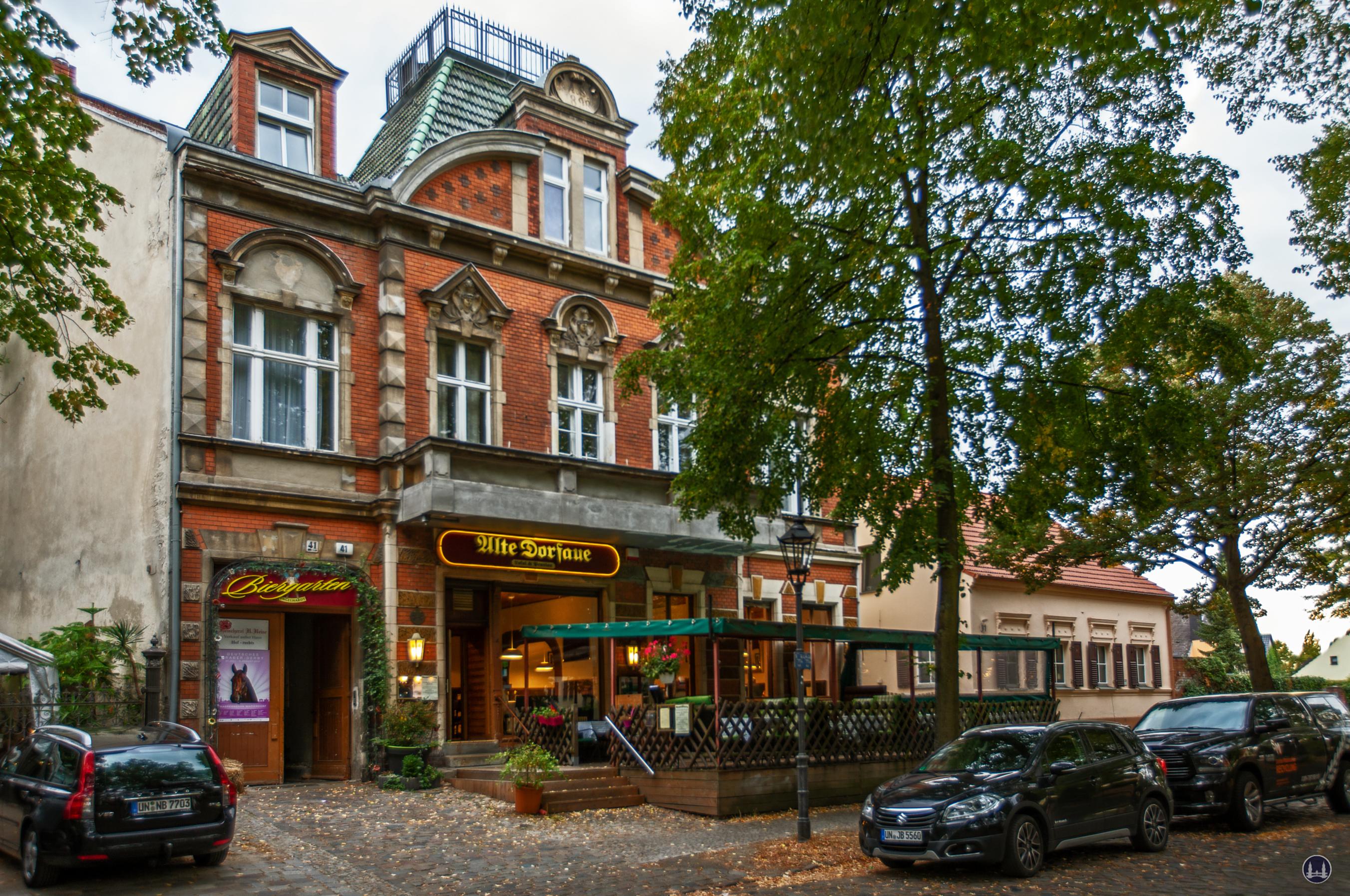 """Das Schlächterhaus Alt - Marienfelde 41 in Berlin. Früher befand sich hier das Restaurant """"Alte Dorfaue""""."""