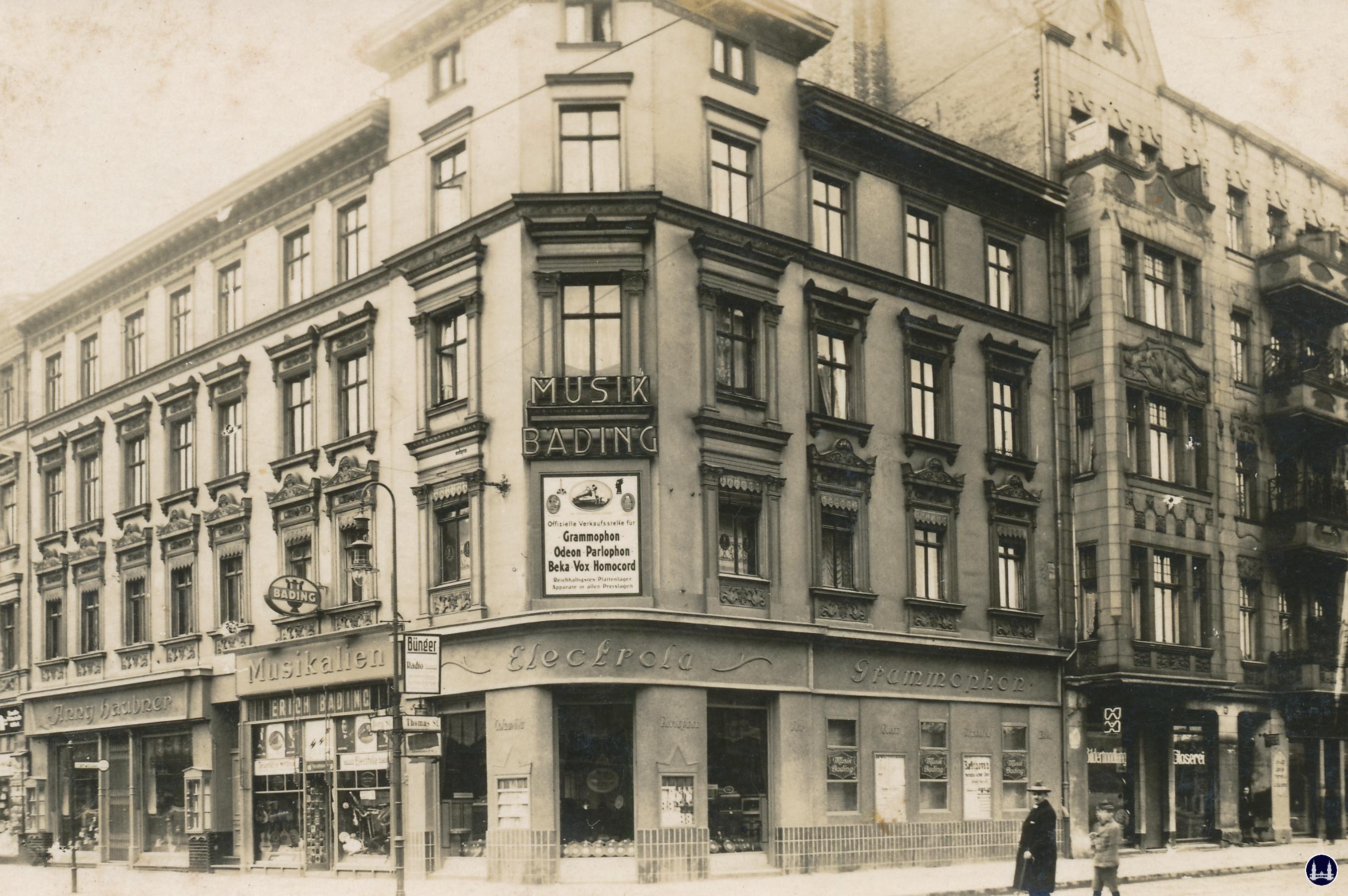 Musikhaus Bading in Berlin - Neukölln, Karl - Marx - Straße. Postkarte von 1919, Sammlung Lutz Röhrig.