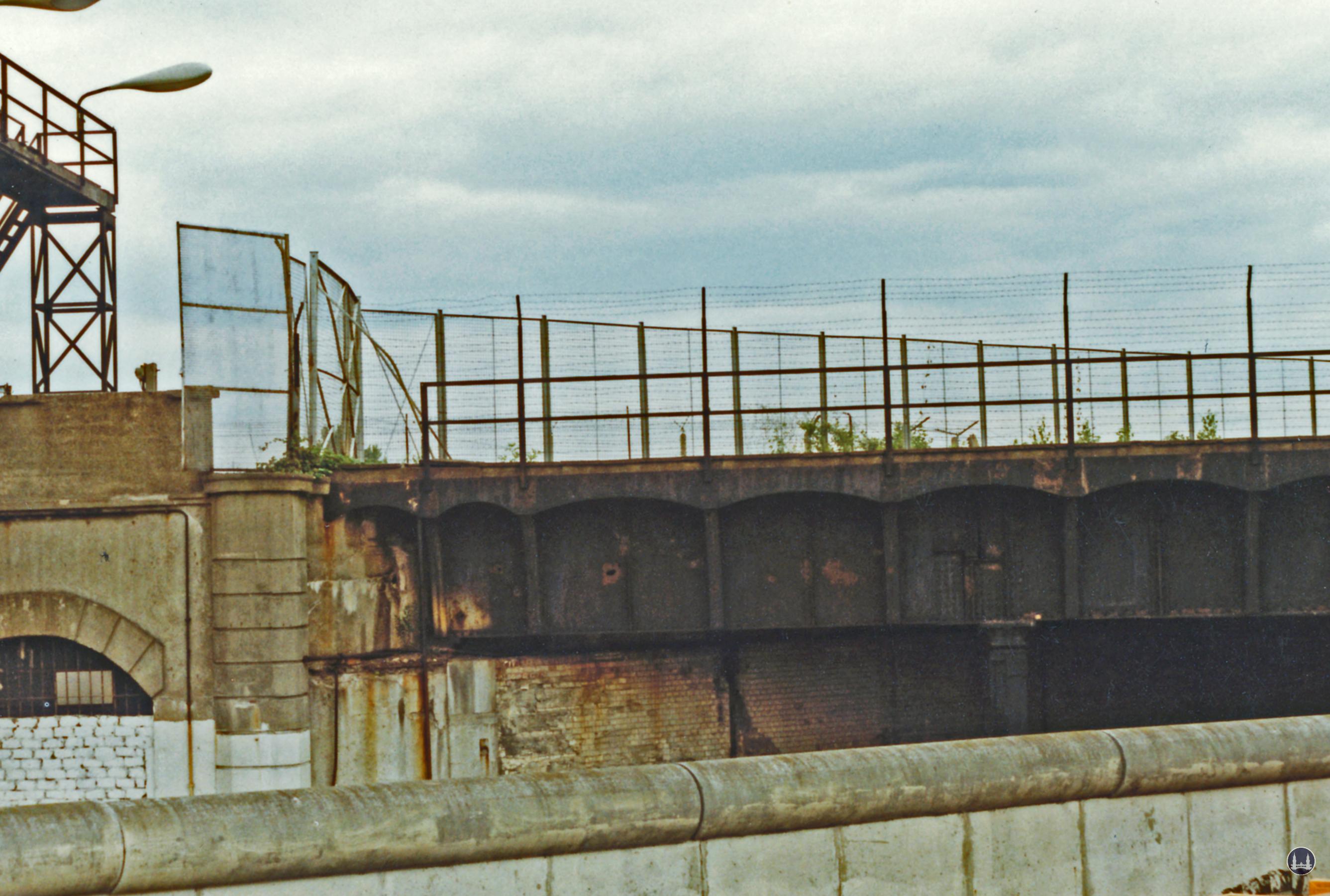Berliner Mauer Grenze Sperranlagen Güterbahnhof Treptow