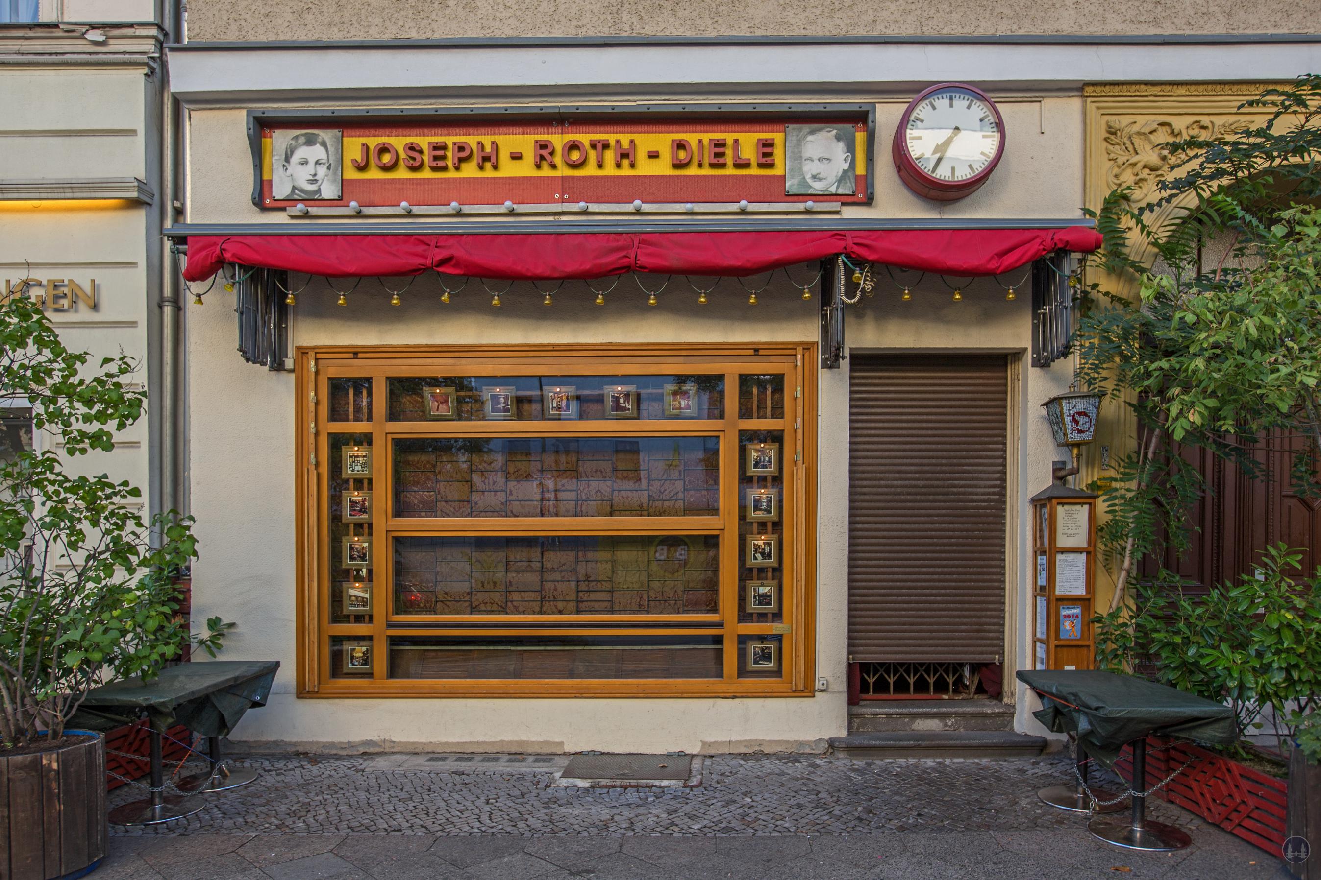 Die Joseph - Roth - Diele an der Potsdamer Straße. Außenansicht