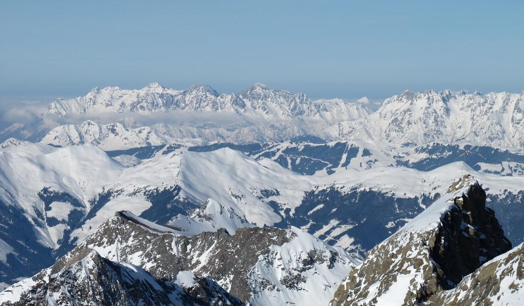 Альпы аж за горизонт! Вид с вершины Кицштайнхорн.