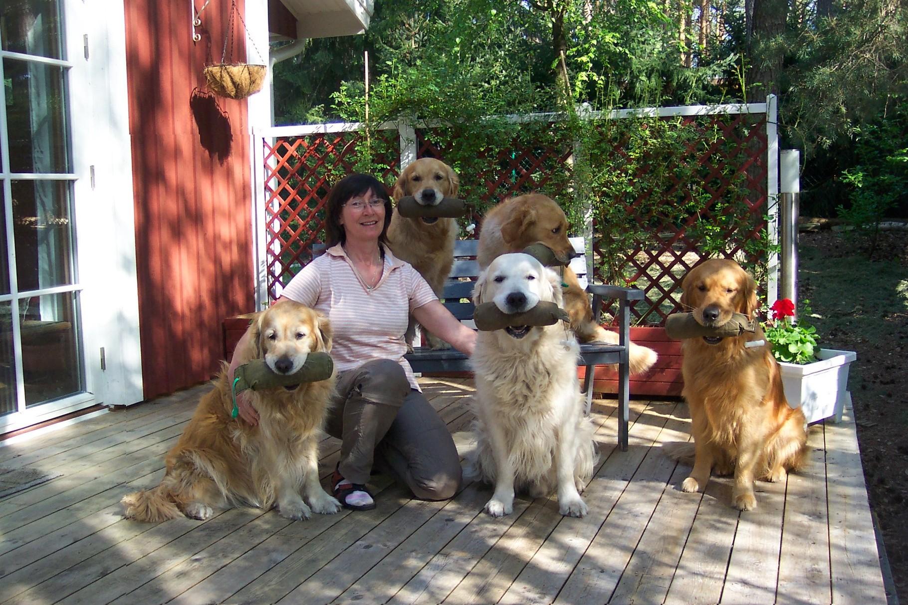 v.li. Eileen(13) mit Kindern Kiwi,Loveday,Herman und Enkel Selwyn