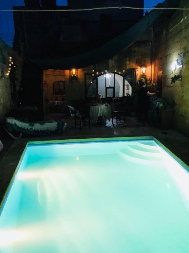 Gozo, visit Gozo, Malta, Xewkija, Auszeit, Retreat, Pool, Reisen, Reisebericht, Yoga, Mina Moonlight, Benitaljo, Mittelmeer, Blogger