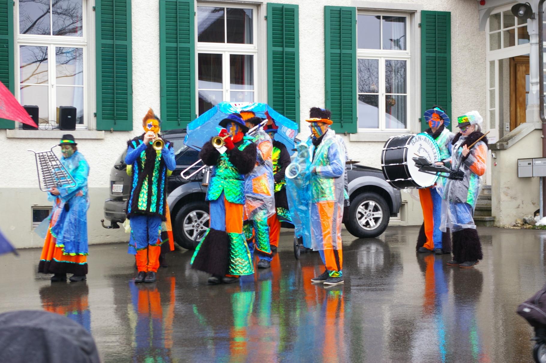 Die Banausliker trotzen dem Regen