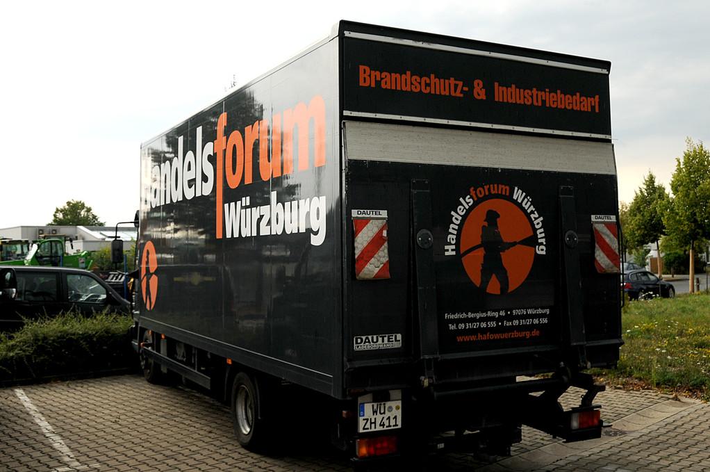 Fahrzeugbeklebung, Fahrzeugbeschriftung, Folienbeklebung, Folienbeschriftung, Fa. Handelsforum, Würzburg Nutzfahrzeuge