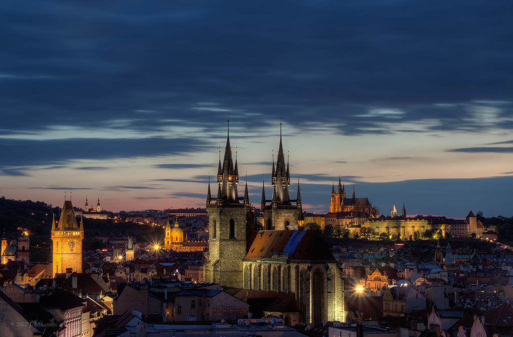 Praag uitzicht 's avonds - Prague view @ evening.