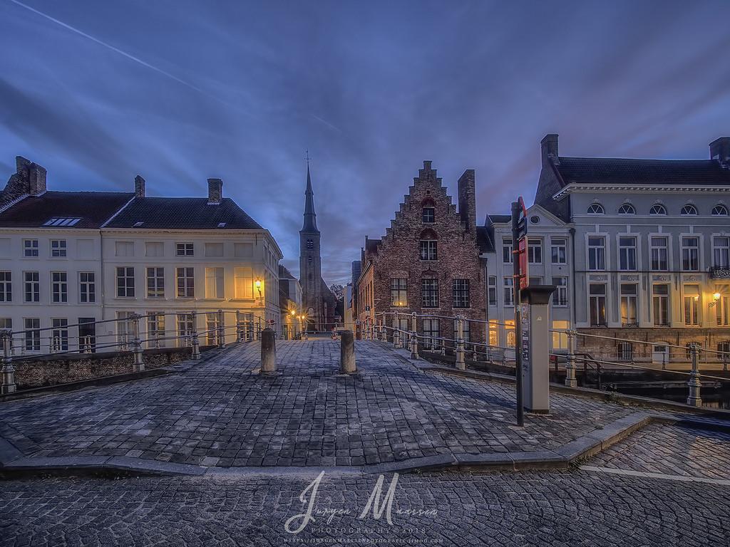Brugge 's morgens voor zonsopkomst - Brugge @  morning before sunrise.