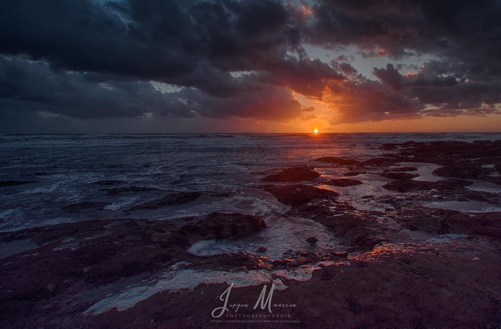 Ondergaande zon Opaalkust (Noord-Frankrijk) - Sundown Opal Coast (Northern France).