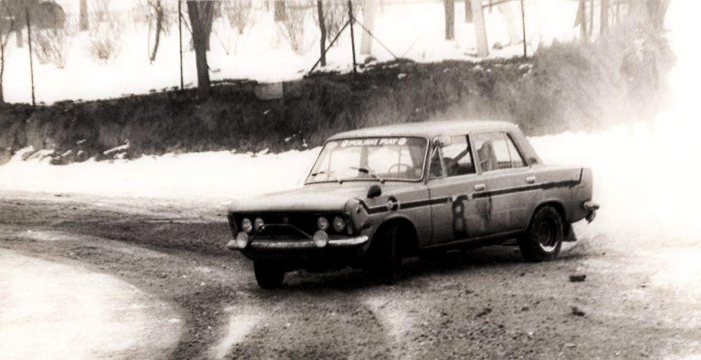 Wyścigowy ''Cywilny'' MC-1600, samochód ten startował w el. RSMP-75.                                                           (na zdjęciu podczas Rajdu Zimowego 1975).