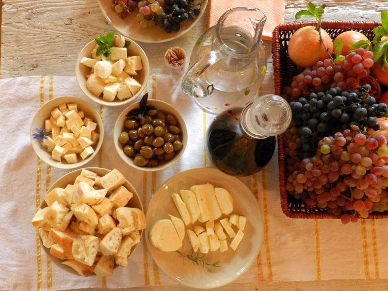 Lokale Köstlichkeiten in der Region Crmnica