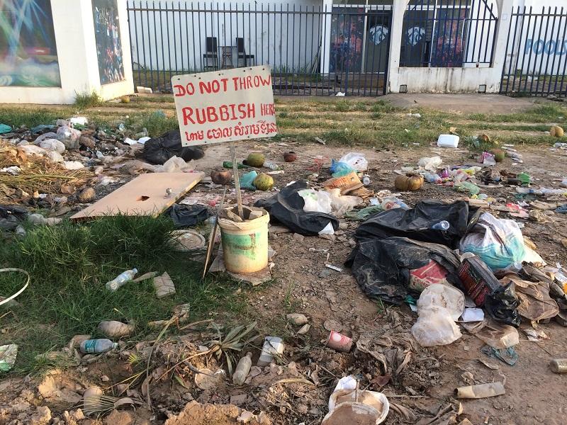 Ein weiteres RIESEN-Problem hier - Der Müll...