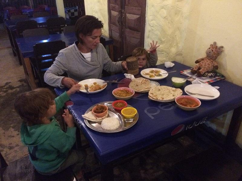 Und nicht nur am 1. Weihnachtstag waren wir beim Inder Deen's! ;-)