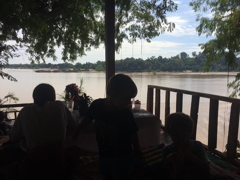 Mittagessen mit Blick auf Kambodscha