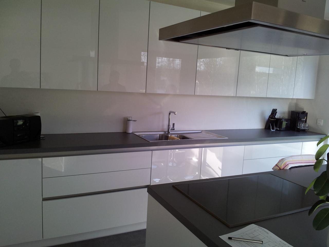 keuken met hoogglans fronten krasbestendig