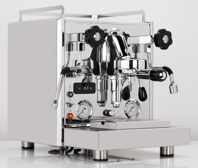 Die beste Espressomaschine-Siebträgermaschine für den Home-Barista, auch sehr beliebt bei kleinen Cafes, Rotationspumpe mit Festwasser oder Tank,, Ablauf anschliessbar.