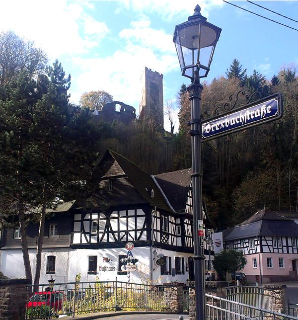 Grenzau mit Burg