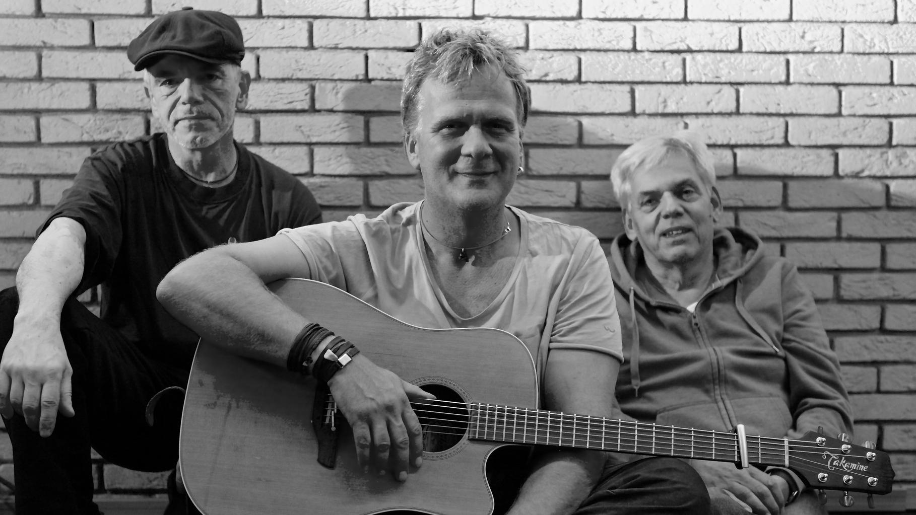 Band von ulf hartmann. Livemusik (Singer-Songwriter) aus Braunschweig. Fotos: André Pause, Udo Eisenbarth, Angelika Stück