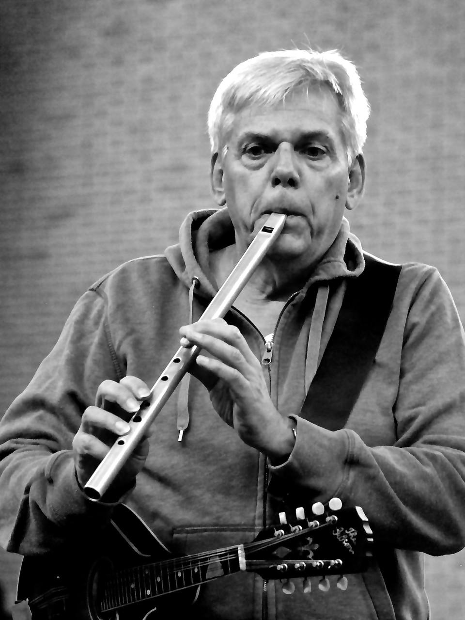 Rainer Guth (Flöten) Die Musiker der Band von ulf hartmann. Livemusik (Singer-Songwriter) aus Braunschweig. Foto: André Pause