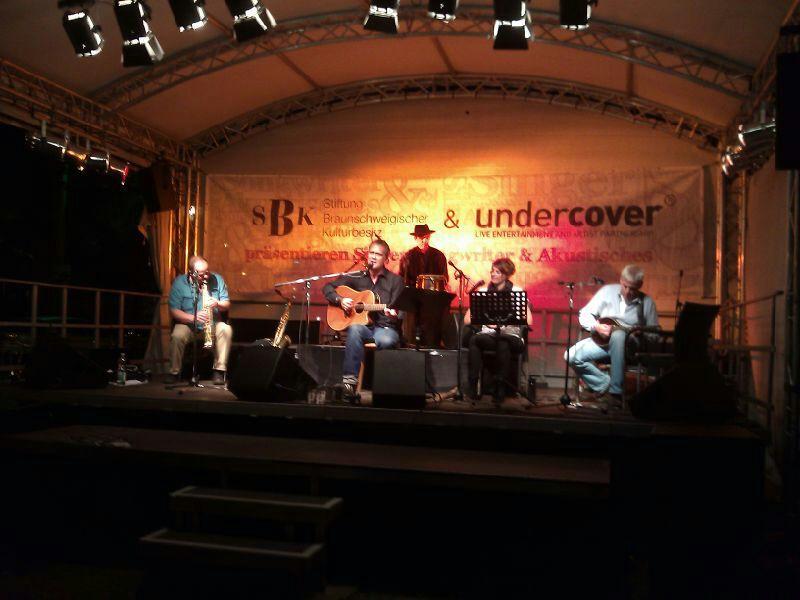 Die Musiker der Band von ulf hartmann. Livemusik (Singer-Songwriter) aus Braunschweig. Fotos: Hans Scheschonk, André Pause, Udo Eisenbarth, Angelika Stück