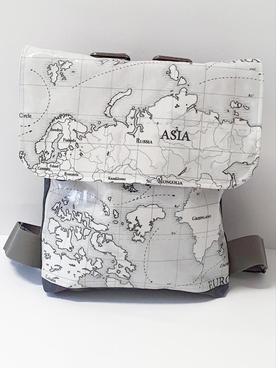 Rucksack klein mit Überschlag