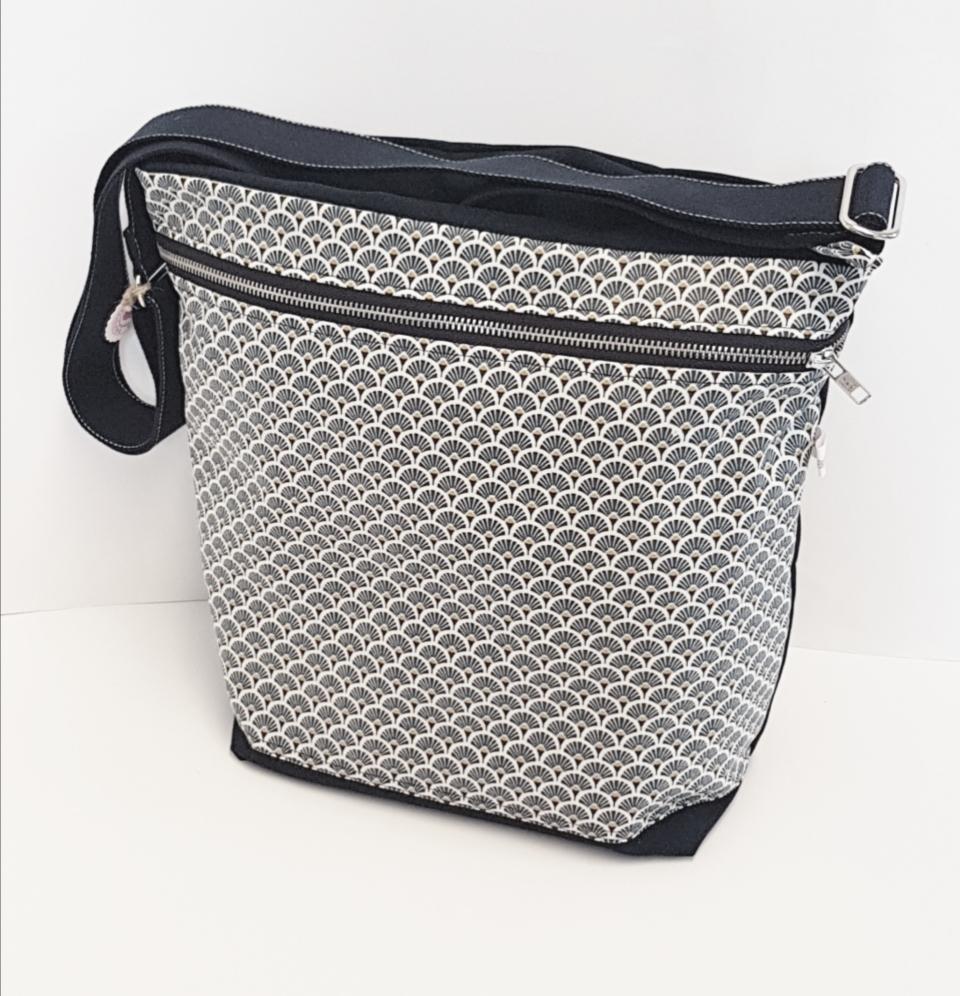 Tasche gross, Verkauft