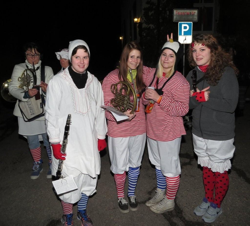 Lena, Saskia, Julia und Lara an Hemdglunki