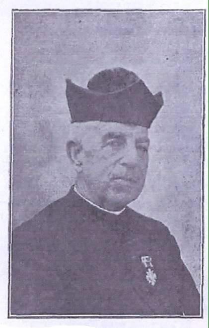 Don Claudio Cebrián, cura párroco a cuya iniciativa se debe la sustitución del antiguo reloj de la torre.