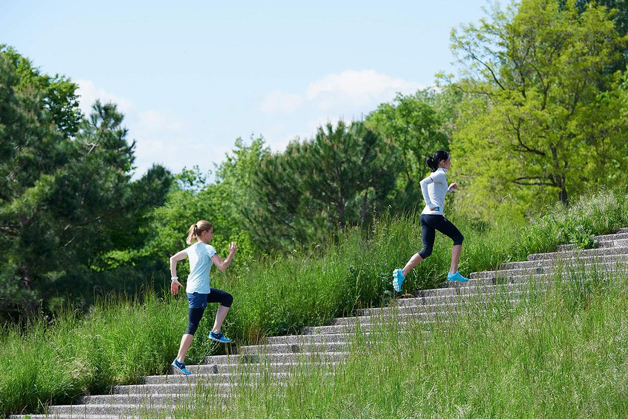 On Jogging Schuhe bei Sport Beck, Zell am Harmersbach