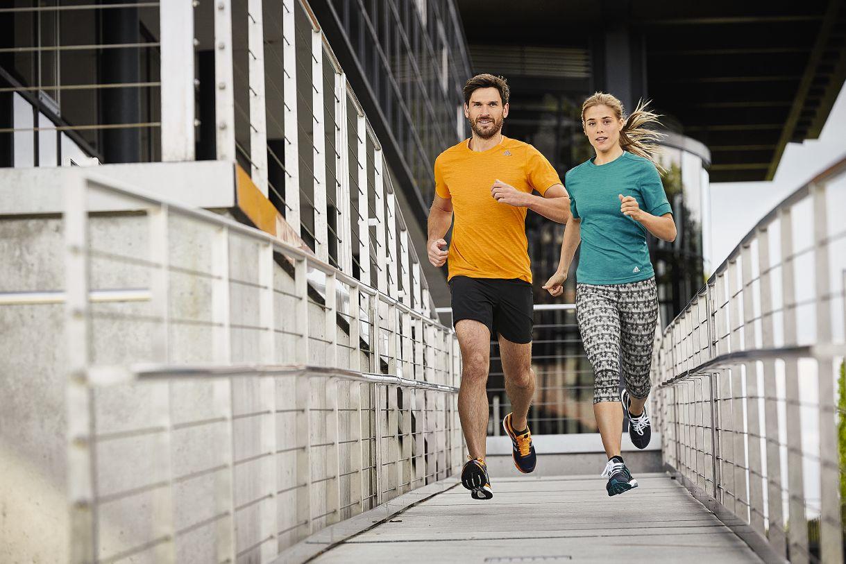 Adidas Laufbekleidung bei SportBeck kaufen