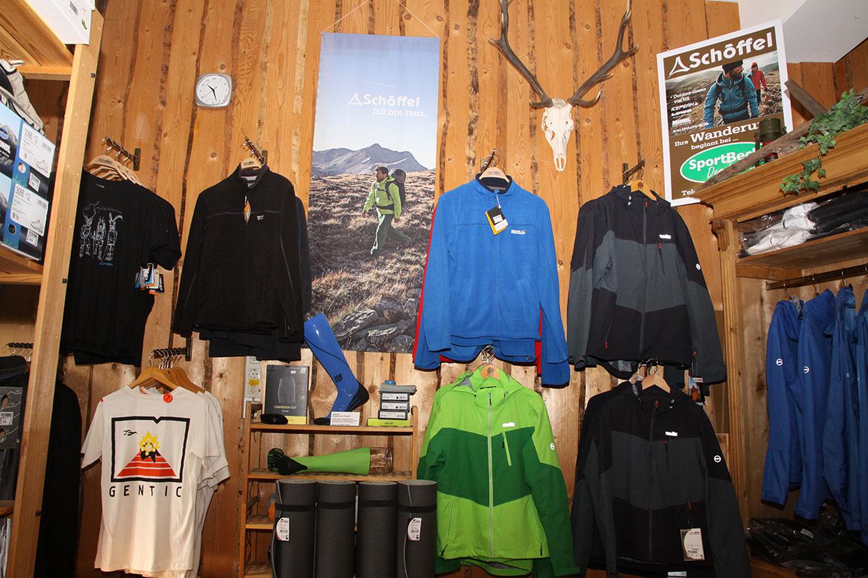 Große Auswahl an Outdoor-Equipment bei Sport-Beck