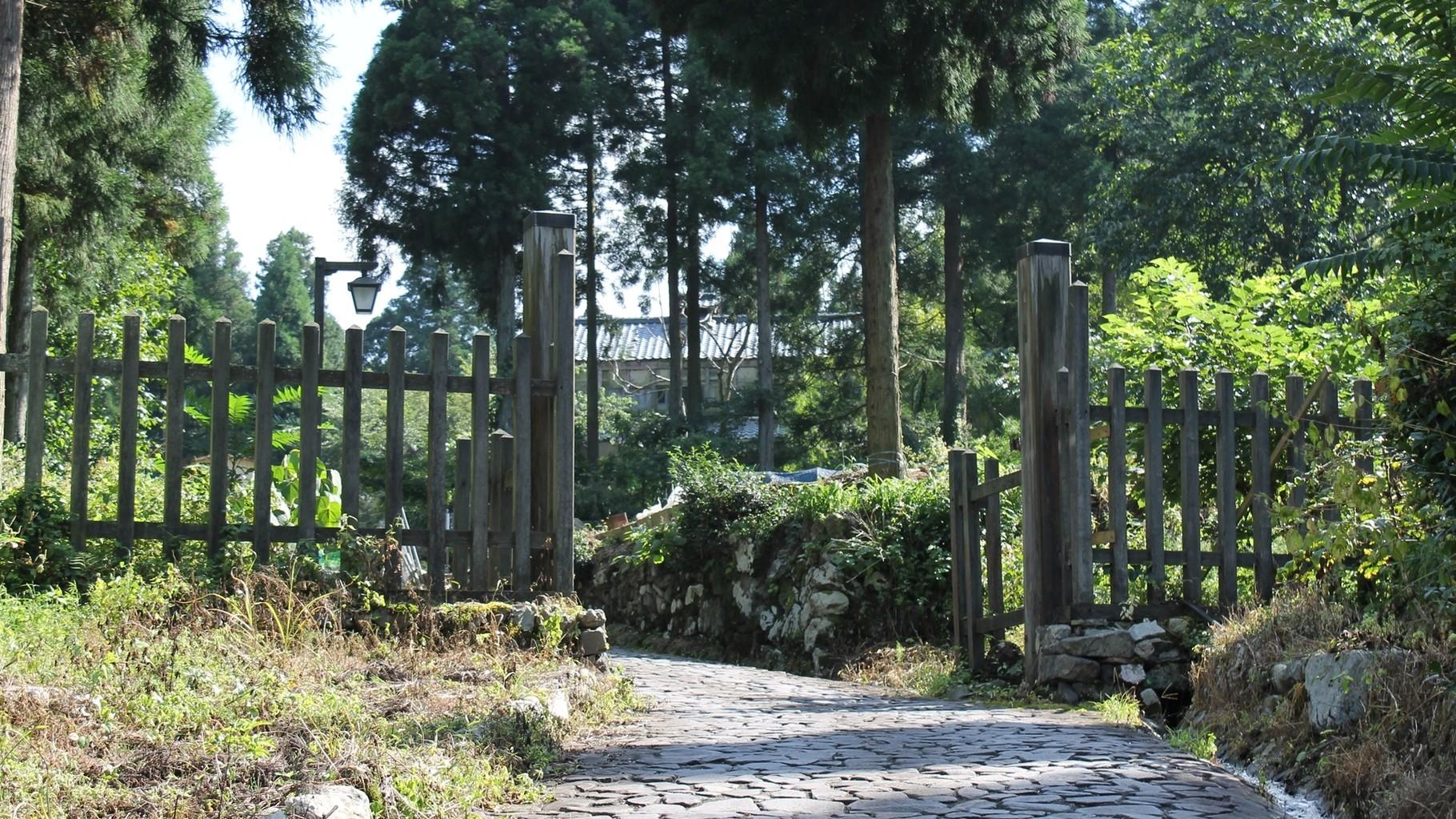 板取関所跡 ここから福井藩領地を出ることとなる。