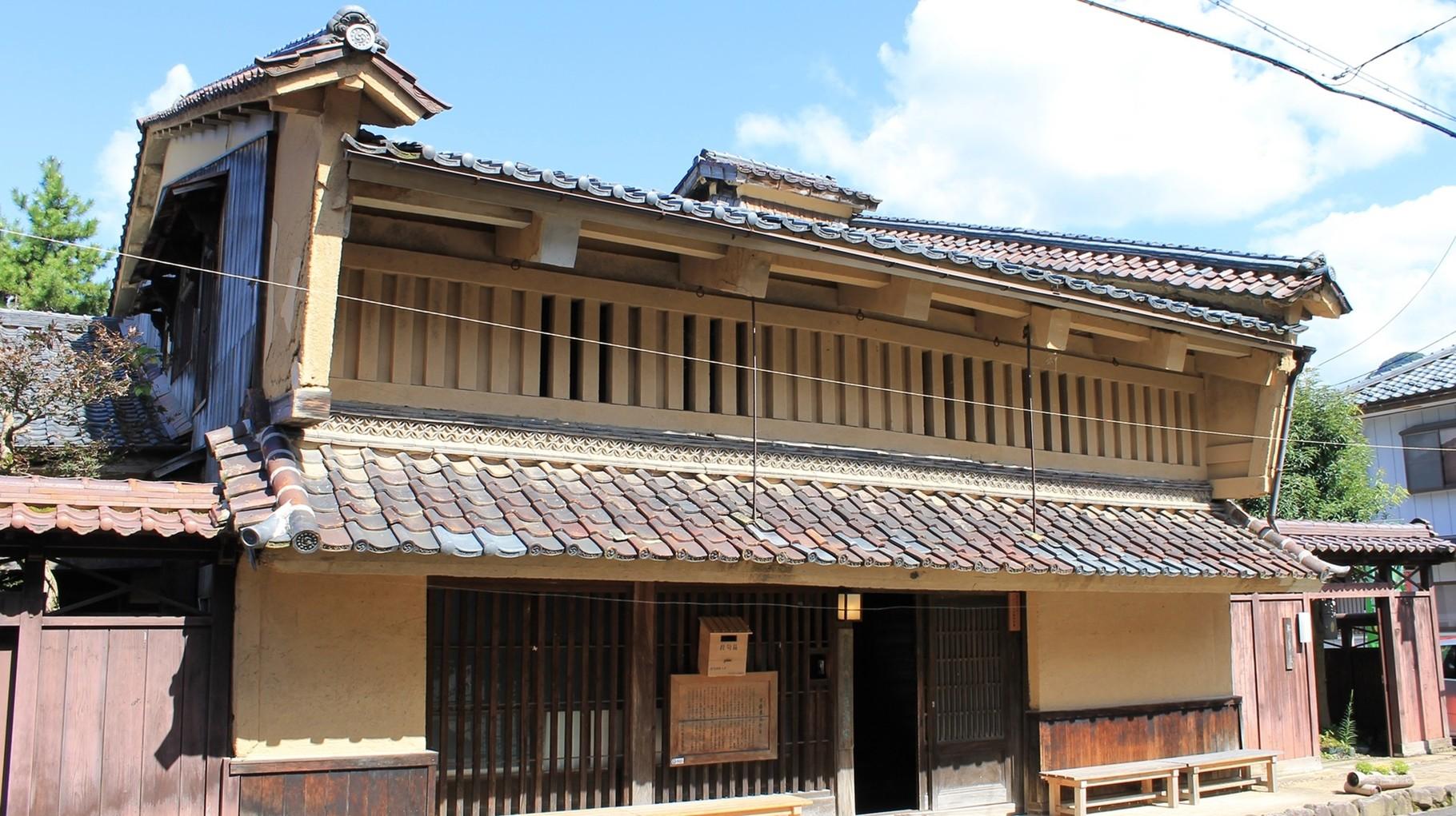 福井県有形文化財指定 屋根両端にあるのが「うだつ」