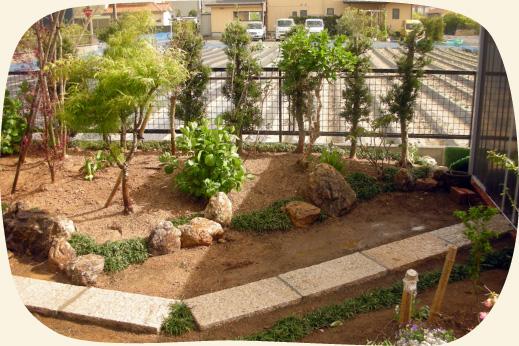 造成工事実績:静岡産の三ヶ日石を使った植込み【門西造園|浜松市】