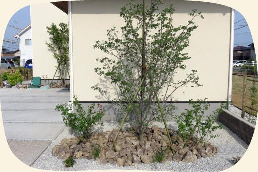 造成工事実績:岐阜産の木曽石を使った植栽【門西造園|浜松市】