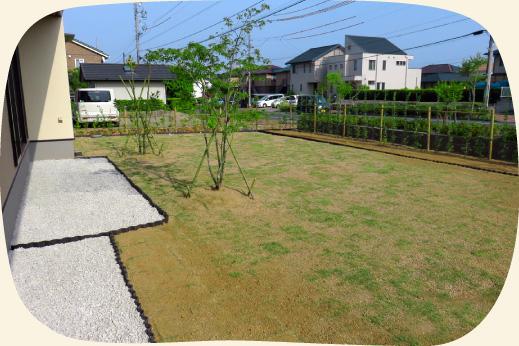 造成工事実績:芝生と岐阜の木曽石を使った開放的なお庭【門西造園|浜松市】