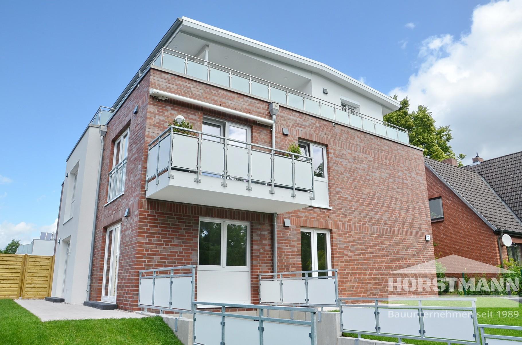 Mehrfamilienhaus - Hamburg-Hummelsbüttel - Baujahr 2015 - 4 Wohneinheiten