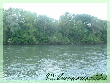 Quelle détente au bord de La Garonne...quel calme!