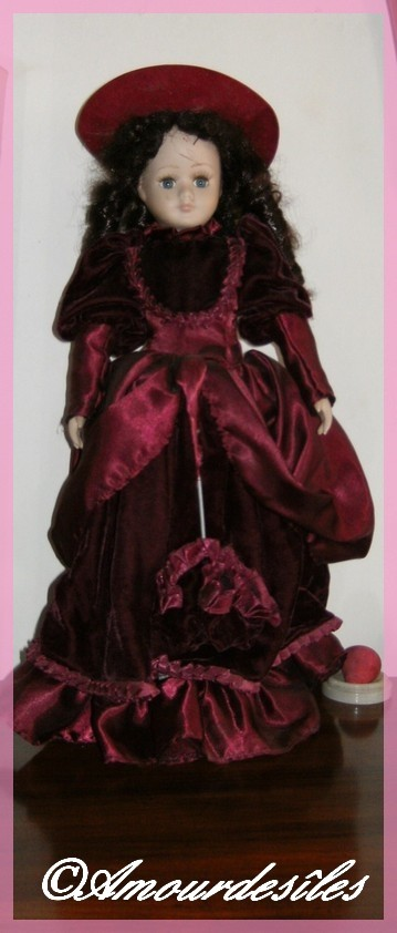"""Une très jolie poupée offerte par l'une de mes petites cousines, je t'adore ma belle """" EM........""""!"""