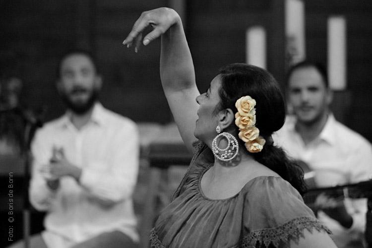 "Flamenco-Tänzerin Rosa Martínez in ""Feurige Momente"" / Colorkey-Foto by Boris de Bonn"